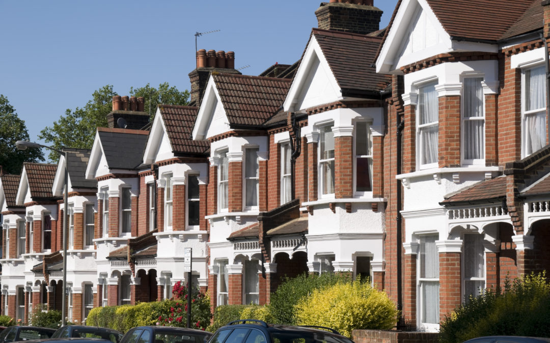 6 Benefits of a Property Manager | Compare With Rent Round